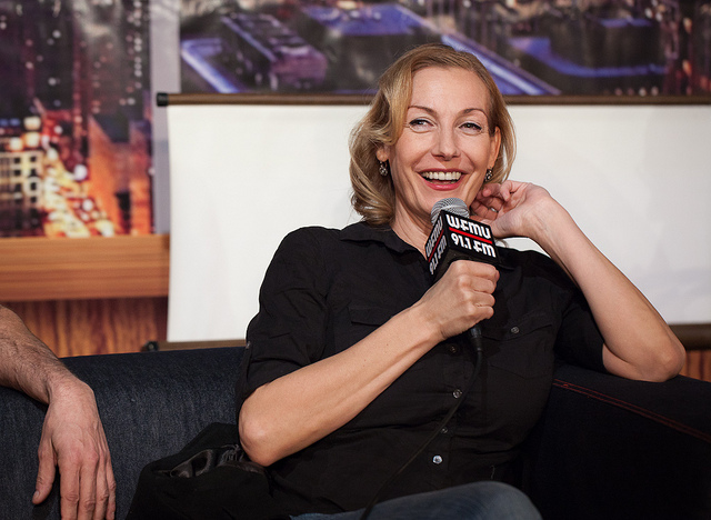 Ute Lemper with WFMU-flagged microphone